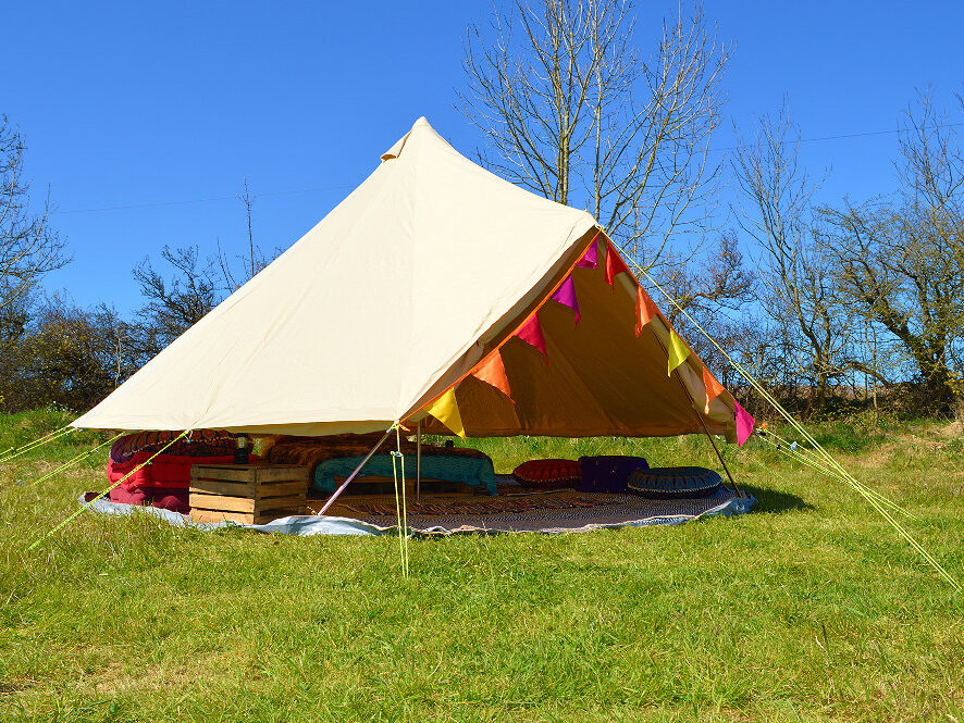 bell tent, glamping, camping, summer holiday, holiday, farm holiday, family, couples, dog friendly, campfire